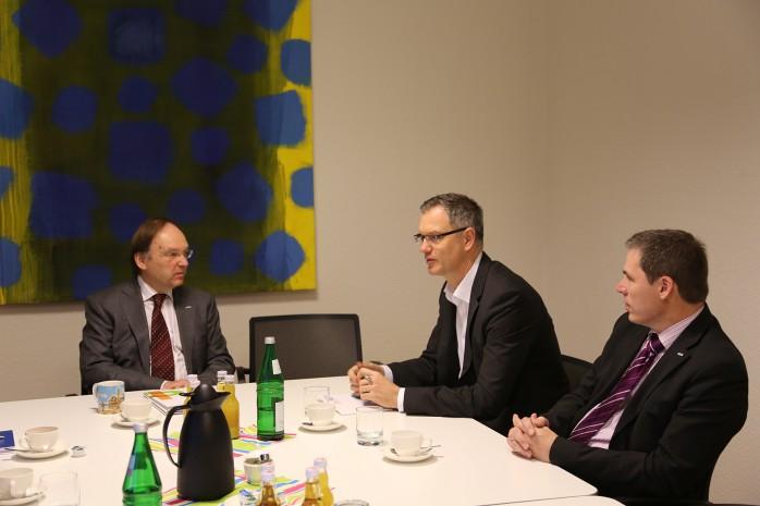 Prof. Dr. Wolrad Rommel (htw saar), Stefan Kunz (WVO) und Prof. Dr. Rudolf Friedrich (htw saar).