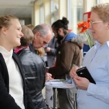 Viele Studierende nutzen die Veranstaltung, um sich frühzeitig über einen Auslandsaufenthalt zu informieren.